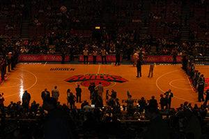 Basketballfeld, Spieler, Zuschauer
