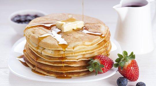 amerikanisches-essen-pancakes