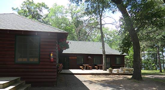 cabin im amerikanischen summercamp