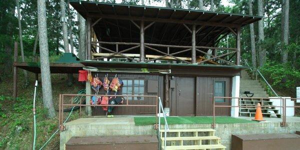 Hütte an der Waterfront im Summer Camp